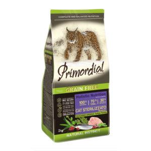 Сухой корм Primordial длястерилизованных кошек синдейкой исельдью